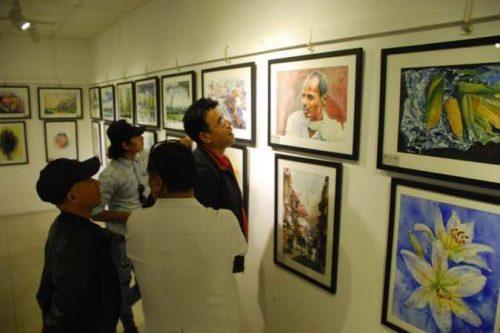 महोत्सवका लागि चालीस देशका कलाकृति सङ्कलन