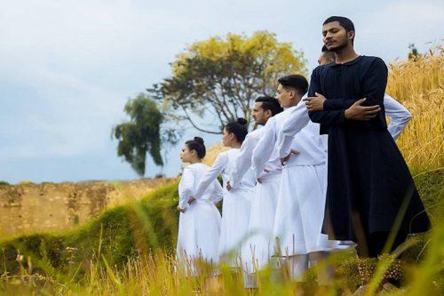 पोखरामा नाटक 'कुरुप हाँस' मञ्चन हुँदै